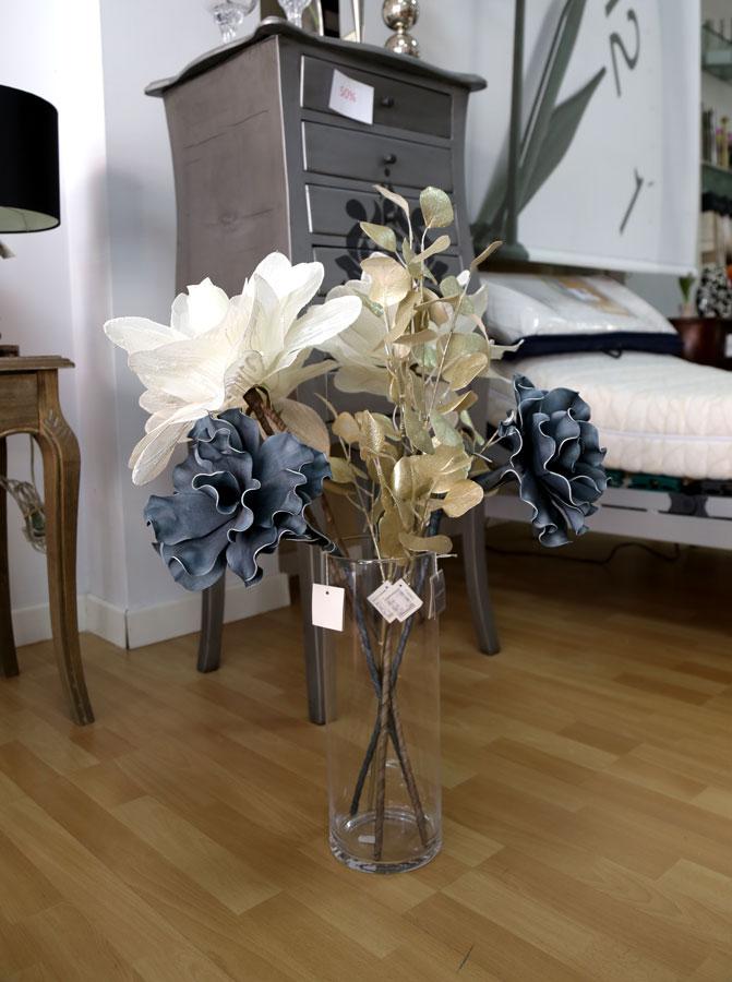 Jarrón y flores decoración