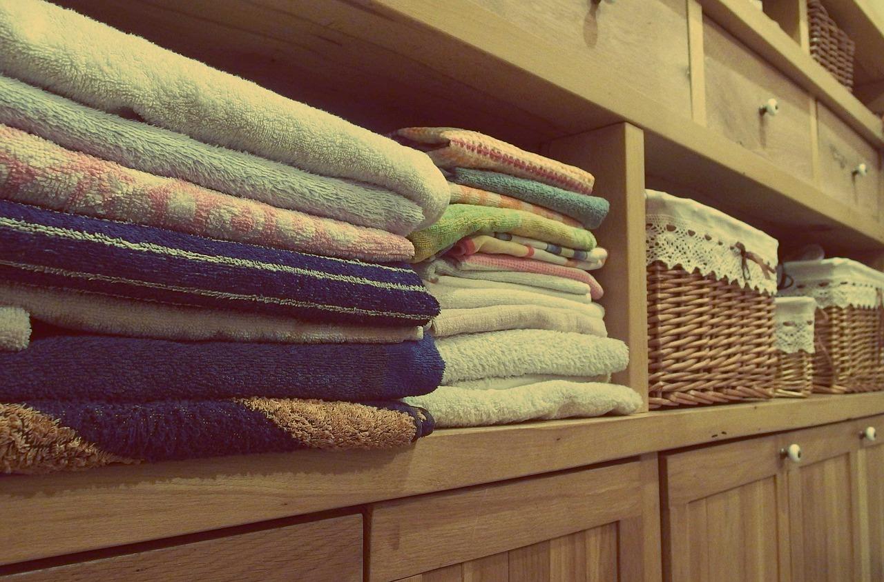 Cómo guardar ropa de hogar
